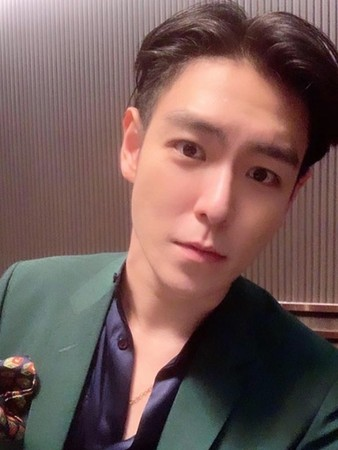 T.O.P晒照庆太阳大声退伍 韩网友:别想再出来