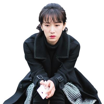 《都挺益》中李念饰演二嫂朱丽