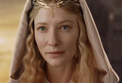 影戏版《指环王》和《霍比特人》中由凯特·布兰切特扮演