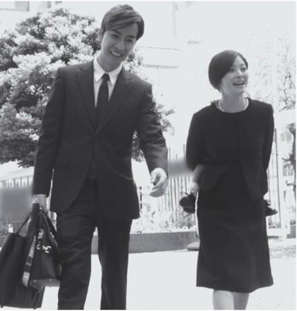 松浦亚弥和橘庆太4月才留下难得的同框照