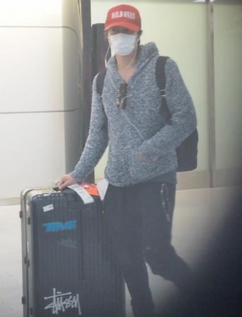 山下智久回成田机场被拍