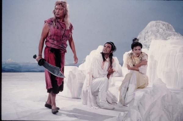 任达华(中)1986年版《倚天屠龙记》