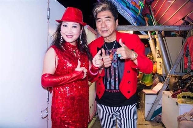 康龙(右)和陈素珍都演过《戏说台湾》。