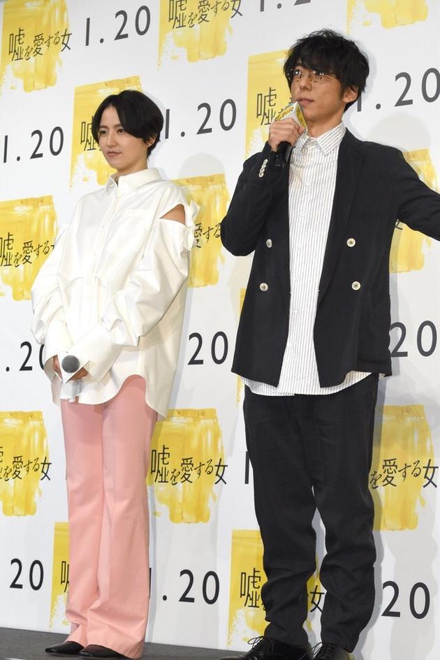 长泽雅美与高桥一生参加电影试映会