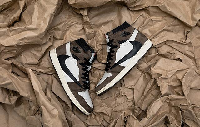 Travis Scott x Air Jordan 1 Retro High OG 联名鞋款