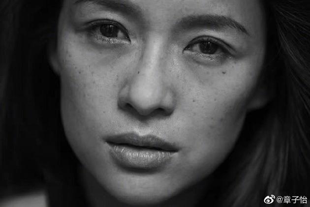 2016年章子怡被邀请拍摄Pirelli倍耐力年历