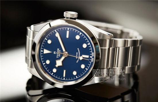 帝舵BLACK BAY 41 BLUE DIAL腕表,售价EUR 2,770欧元