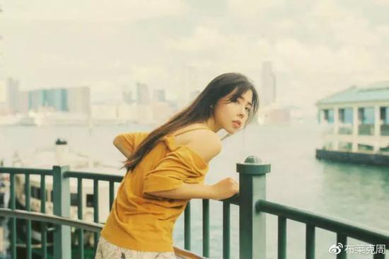 模特:@许许许许_许美琪 摄影:@周健__