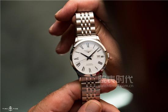浪琴开创者系列L2.821.4.11.6 腕表,售价16,500初次人民币