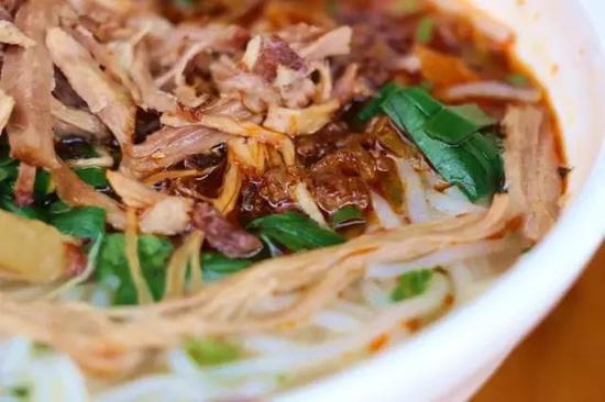 挖到云南人都爱的美食线路 吃住玩替你安排了