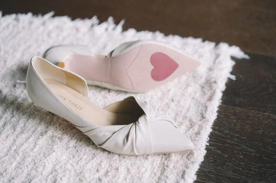 打折买这些鞋子太划算 可以一直穿到秋天