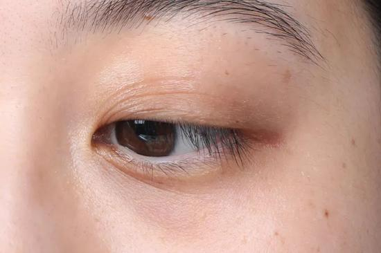 A long fat granule with eye cream? Ten years older, of course插图28