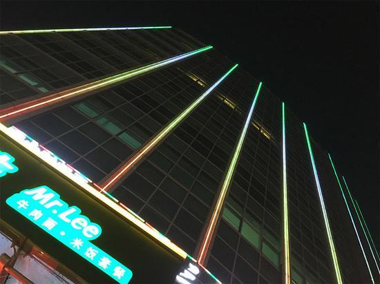 ▲iPhone 7照的夜色样张