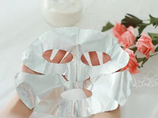 看过姐姐们的护肤秘籍 你的面膜可能白敷了