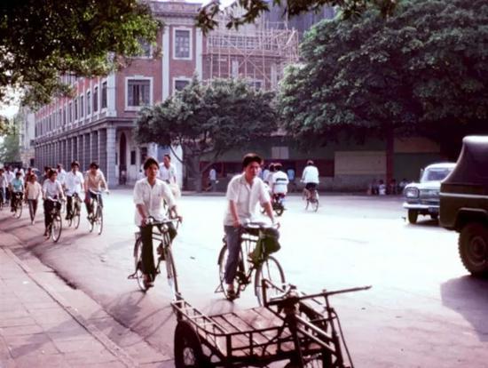 �1981年之广州路口