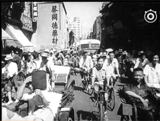 �1947年之上海街头,就遍地穿香港衫的人流