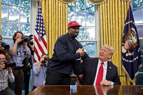 Kanye West 同美国总统 Trump 当白宫会见