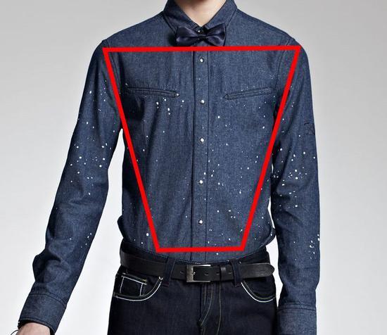 �长袖衬衫和西装的衣效果都是于须眉的上半身呈现倒梯形