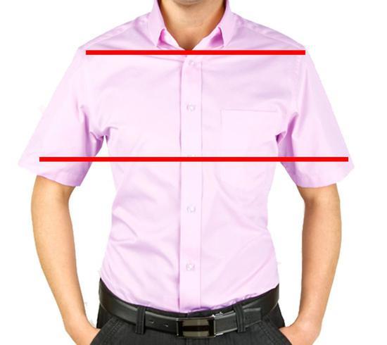 �袖尖形成的连线比肩膀形成的连线还要突出