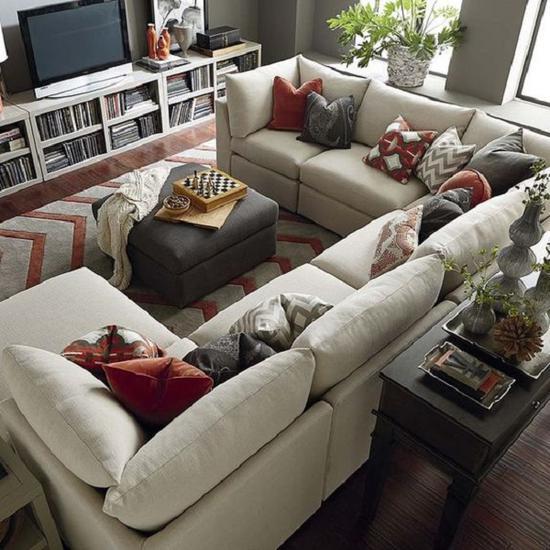 U字形沙发需要空间宽敞 图源自bassettfurniture.com