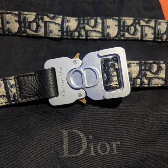 Dior X Alyx Rollercoaster Belt   图片来源:网络
