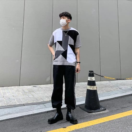 穿黑白的男生这么酷 还有谁说他们不懂穿搭