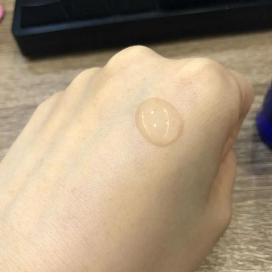 A long fat granule with eye cream? Ten years older, of course插图49
