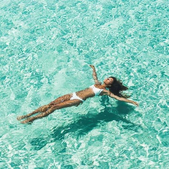 准备好你们的泳衣,这夏天需要一个完美Ending