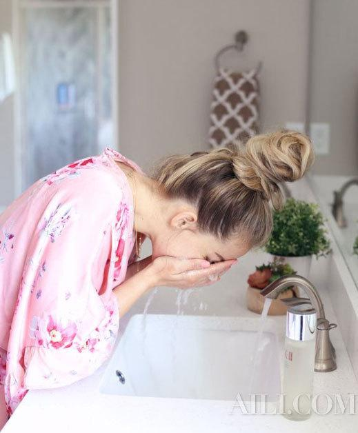 It's really important to wash your face in the new season. The golden combination of day and night cleaning is in place插图2