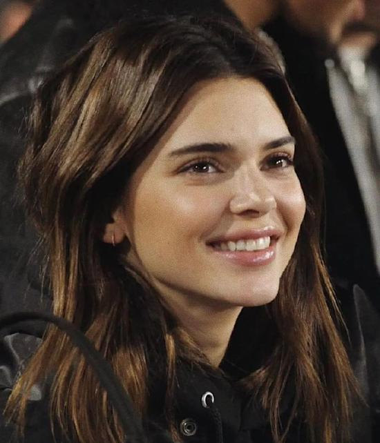 It's OK to learn how to dress with Kendall, but skin care is not插图9