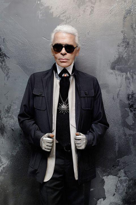 2014年接受《ELLE》?#21448;?#37319;访时的Karl Lagerfeld 图片来源:ELLE