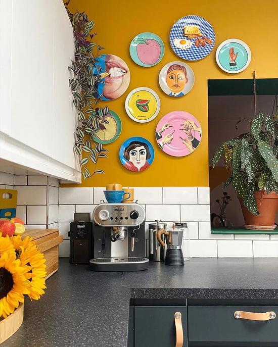 搬到伦敦的第七年 她把家装成了调色盘