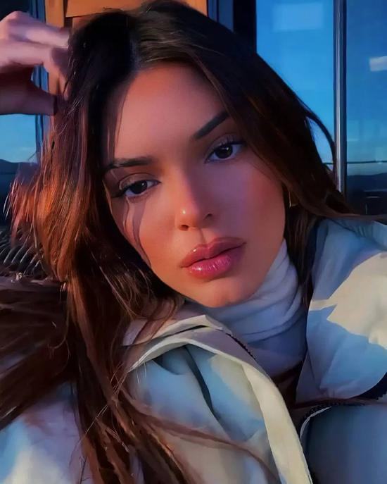It's OK to learn how to dress with Kendall, but skin care is not插图10