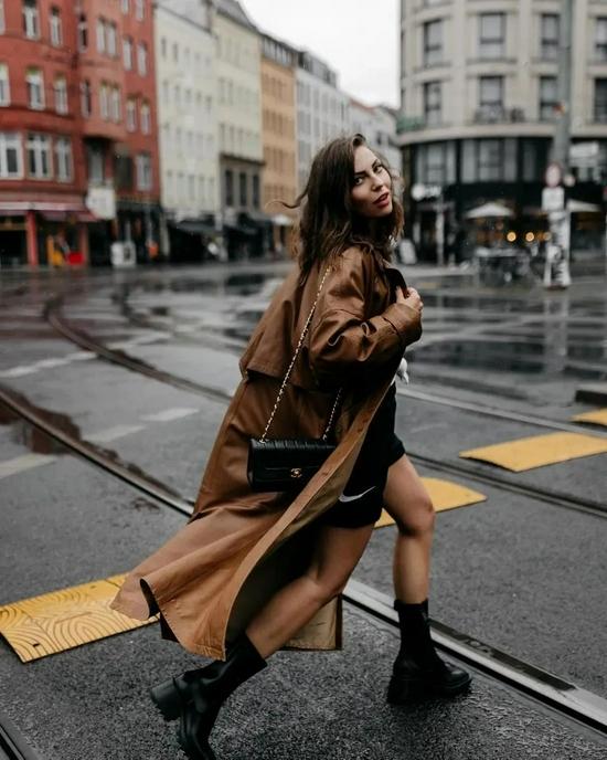 三双时髦雨鞋,出行更方便