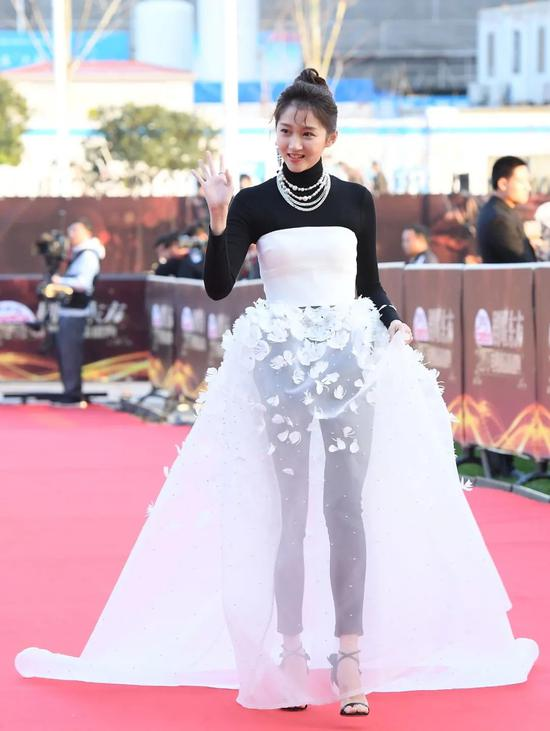 Guan Xiaotong finally found the right style, charming feeling, Yujie wind absolutely插图7
