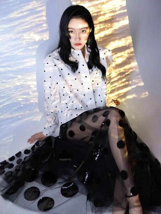 Guan Xiaotong finally found the right style, charming feeling, Yujie wind absolutely插图2
