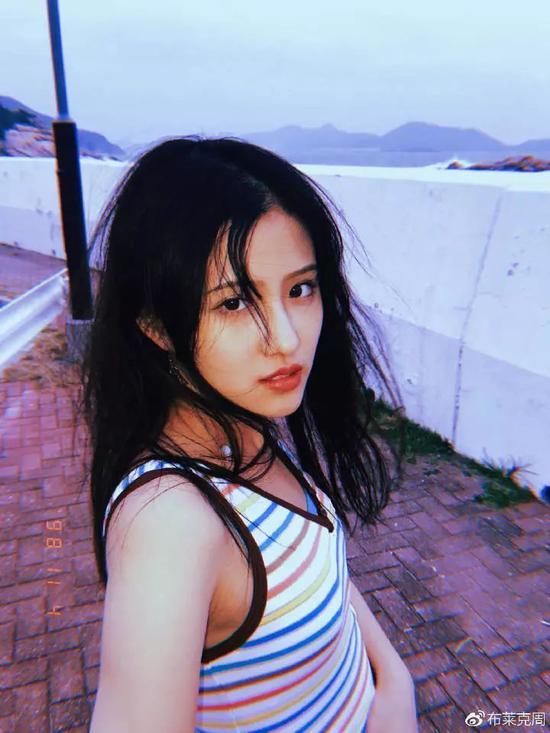 模特:@___翠花 摄影:@周健__