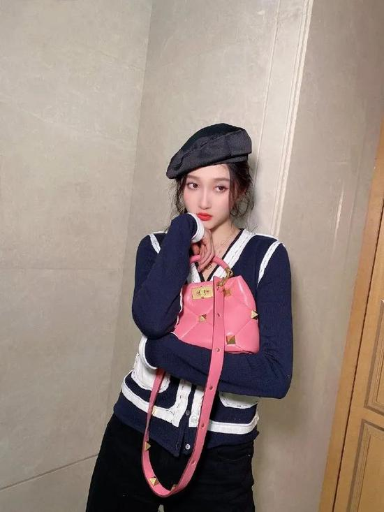 Guan Xiaotong finally found the right style, charming feeling, Yujie wind absolutely插图9