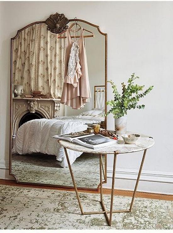 小户型装个镜面墙有益无害 图片源自www.southshoredecoratingblog. com