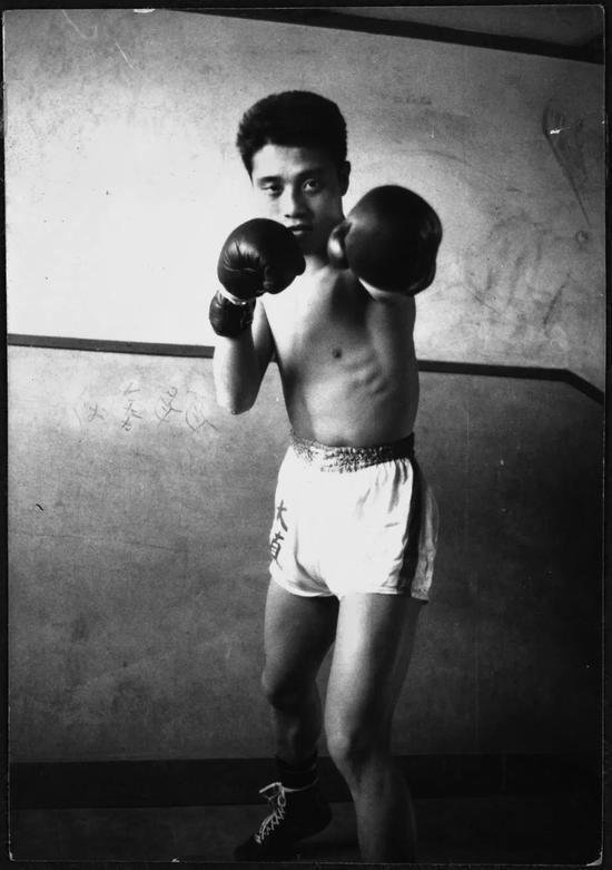 ▸17岁的时候。第一次以拳击手身份参赛