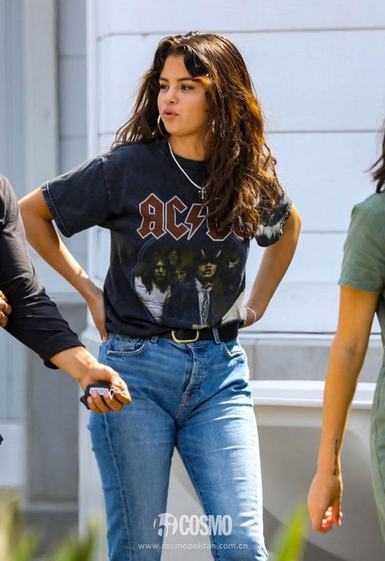 Selena Gomez衣Brandy Melville复古T恤