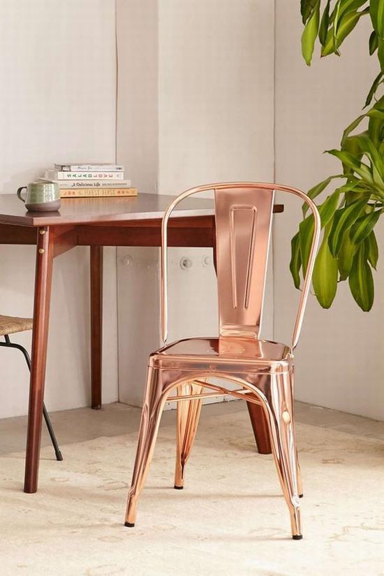 玻璃和金属让家居质感更通透 图片源自www.brit.co