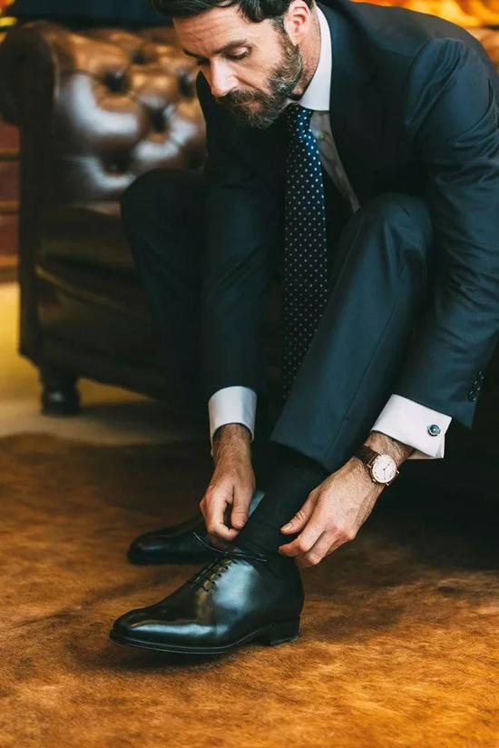 婚礼上怎么穿 男人在结婚的时候应该穿什么类型的鞋?