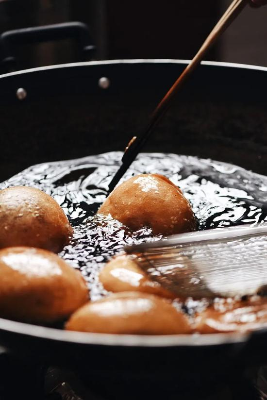 中午吃泡馍晚上吃火锅?中国这辆美食高铁火了
