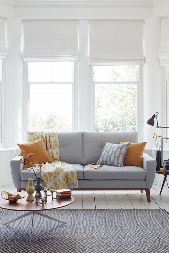 一字型沙发适合小户型 图源自sofa.com