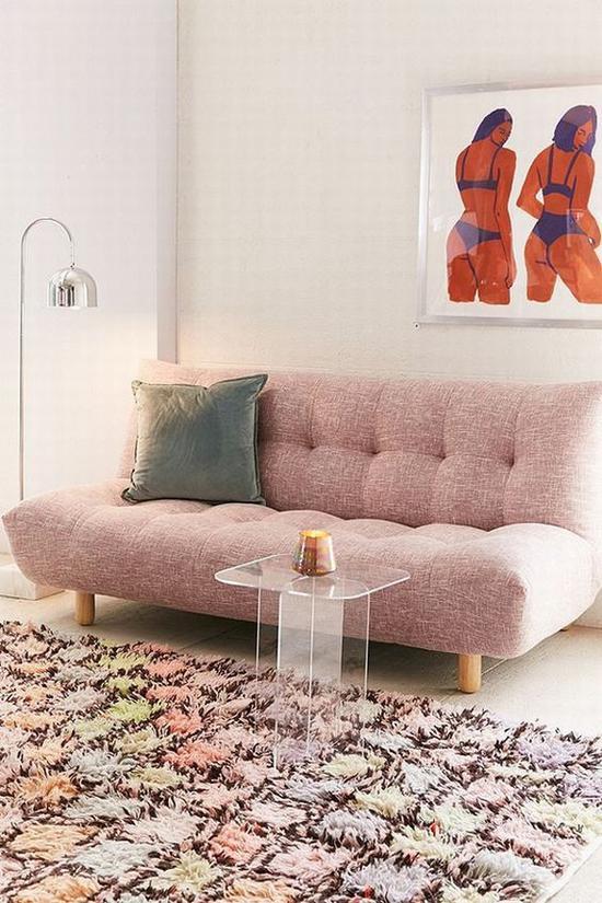 一字型沙发适合小户型 图源自domino.com