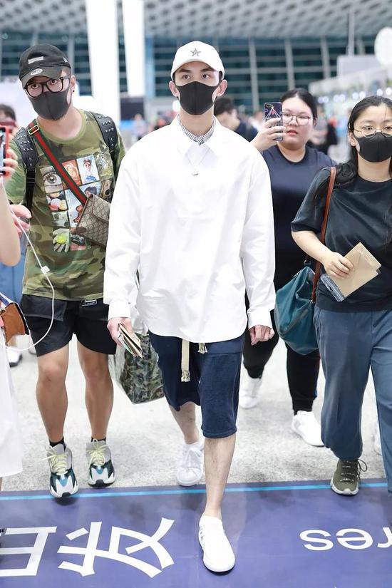吴磊深圳机场