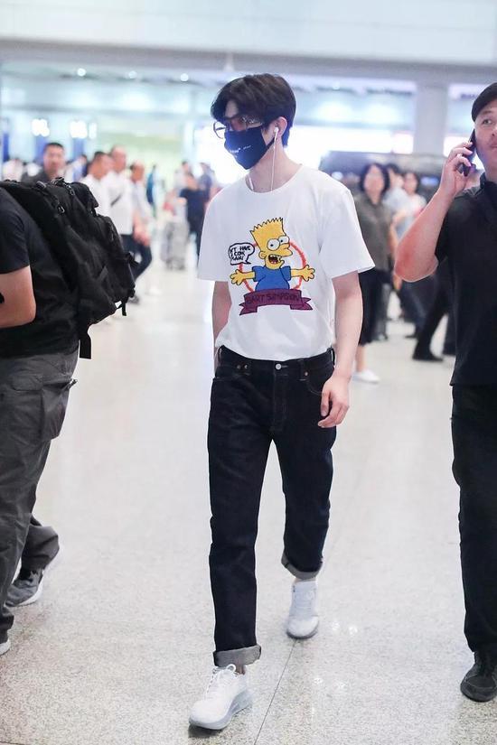 蔡徐坤北京机场