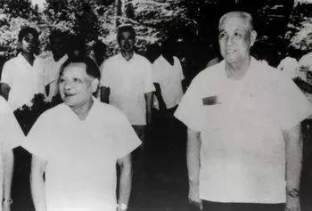 �1980年7月23天,邓小平视察河南。
