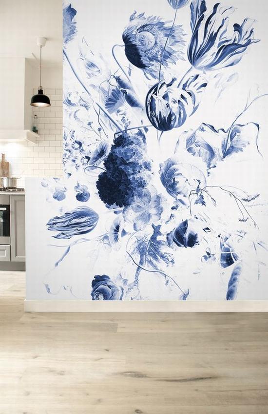 水墨花朵在墙上绽开 图片源自pinterest